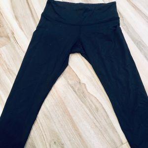 Lululemon Black Capris-Size 6/8